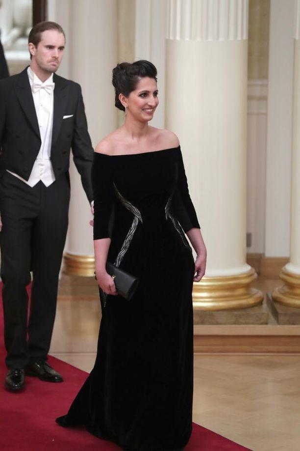 1,9 % Nasima Razmyar edusti mustassa puvussa.