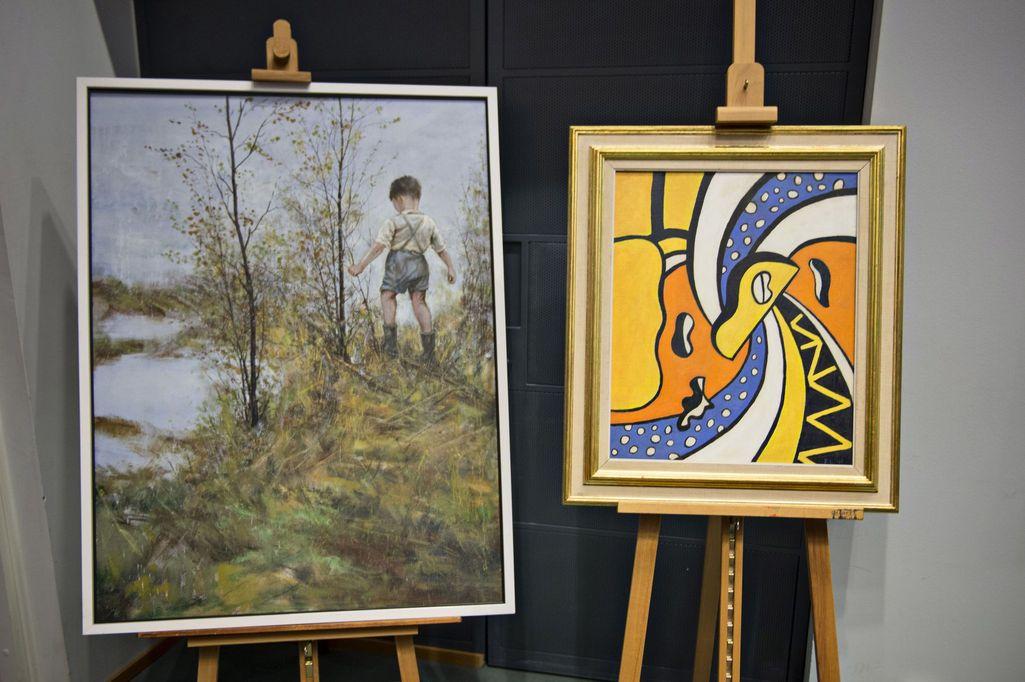 Taideväärennösvyyhdin kallein yksittäinen taulu oli ranskalaisen Fernand Légerin Le Cirque -maalauksen (oik.) väärennös, joka myytiin 2,2 miljoonalla eurolla. Vasemmalla Ilkka Lammin teoksen väärennös, josta pyydettiin kymmeniä tuhansia euroja.