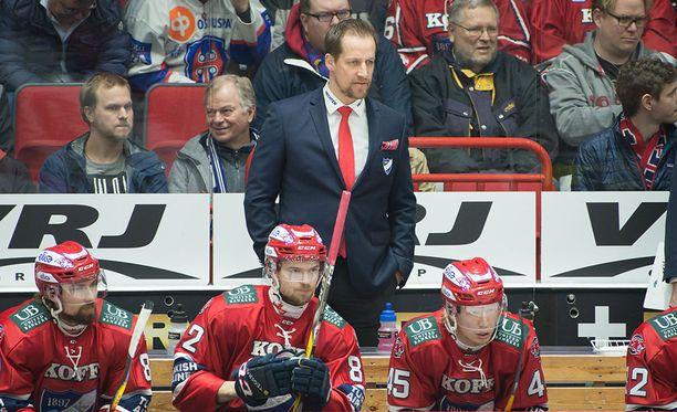 Antti Törmänen jäi joukkueineen Tapparan pihteihin.