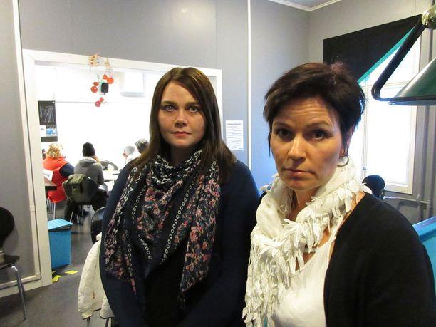 Nuoren kuolema herättää pelkoa ja surua, kertovat sosiaalityöntekijät Anu Kankare ja Heli Kaskiluoto.