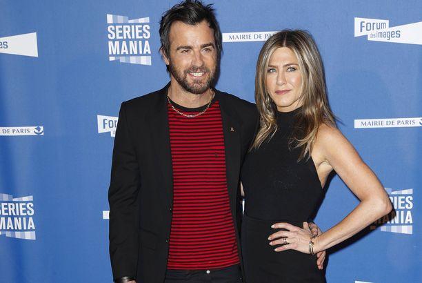 Justin Theroux ja Jennifer Aniston välittävät suuresti lemmikeistään.
