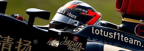 Kimi Räikkönen on kuljettajien MM-sarjassa toisena Sebastien Vettelin takana.