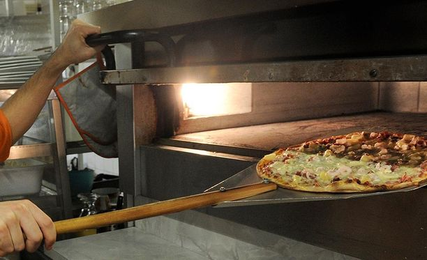 Kotkalaisnainen häiriköi pizzeriassa. Tapaus johti sakkotuomioon.