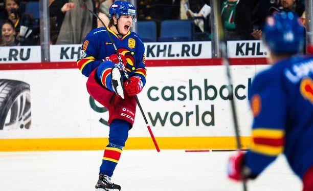 Eeli Tolvasen, 18, vahva alkukausi Jokereissa poiki huippulupaukselle uran ensimmäisen A-maajoukkuekutsun. Tolvanen on tehnyt 23 ottelussa tehot 13+10=23.