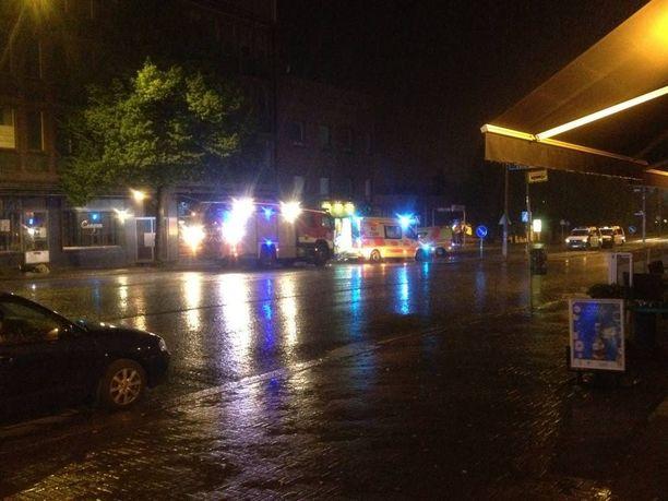 Poliisille ilmoitus ampumisesta tuli kello 1.53 ja ensimmäinen poliisipartio saapui paikalle alle puolessa minuutissa.