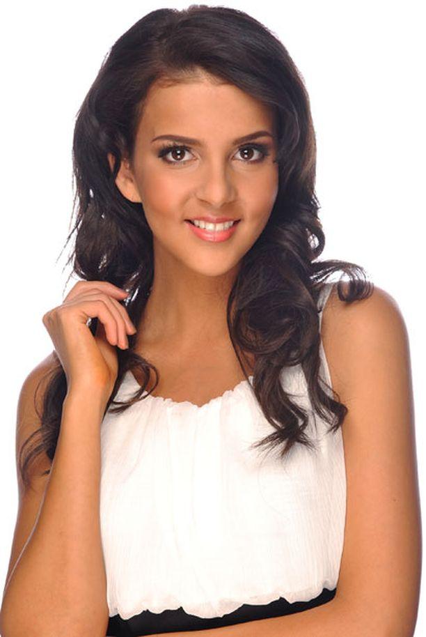 4. Sara Chafak