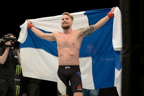 Teemu Packalén palaa UFC-häkkiin yli kahden vuoden tauon jälkeen.
