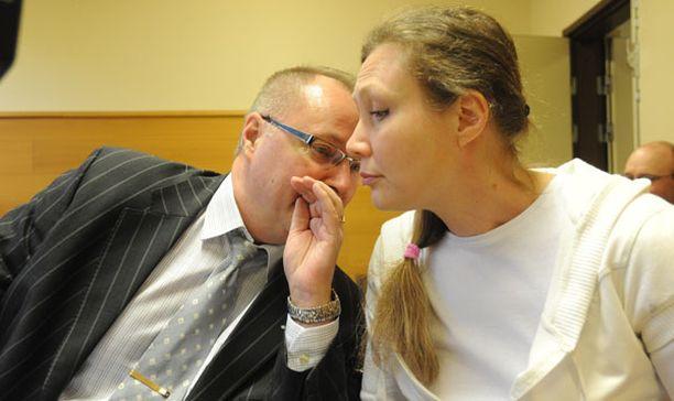 Syytetty Anneli Auer syytti eilen poliisia aivopesusta.