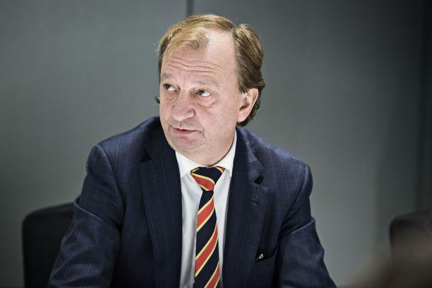 Liike Nyt haluaa puheenjohtajansa Harry Harkimon johdolla kaataa sote- ja maakuntauudistuksen.
