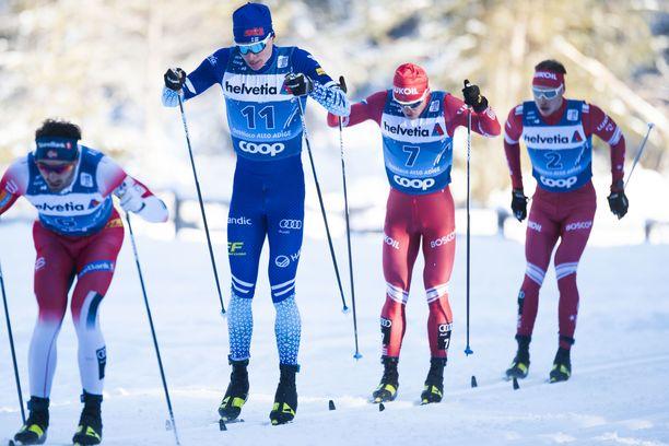 Iivo Niskanen aloitti kovaa ja lopetti vielä kovempaa 15 kilometrillä.