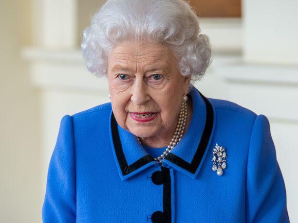 Kuningatar Elisabet keskusteli omaishoitajien kanssa viime viikolla Zoom-etätyösovelluksen avulla.