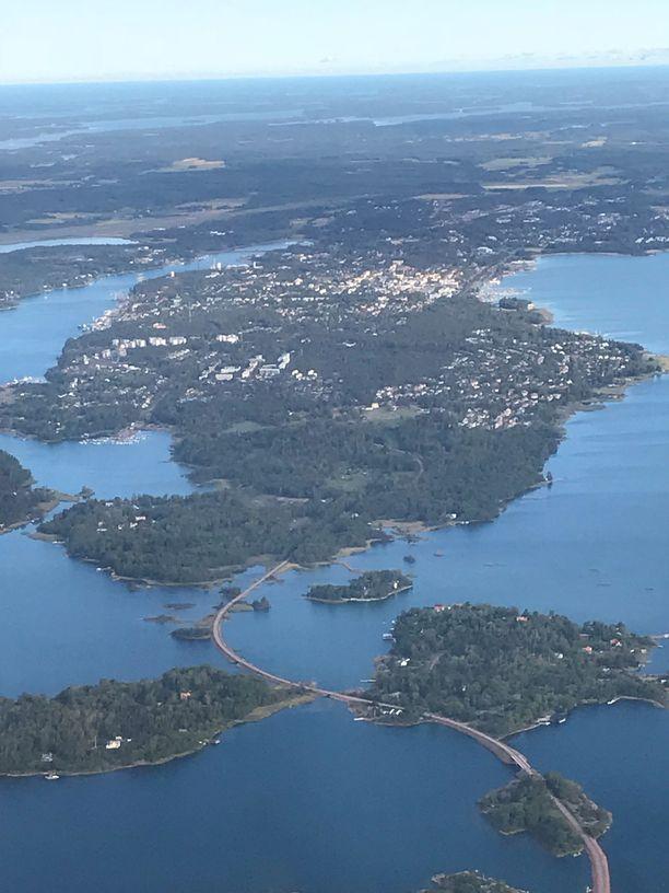 Ahvenanmaa julistettiin demilitarisoiduksi alueeksi vuonna 1856.