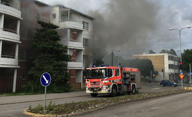 Espoon Leppävaarassa sijaitseva pizzeria tuhoutui juhannuksena 2017 räjähdysmäisessä palossa.