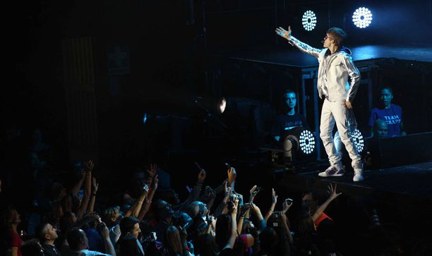 Justin osaa ottaa yleisön haltuunsa.