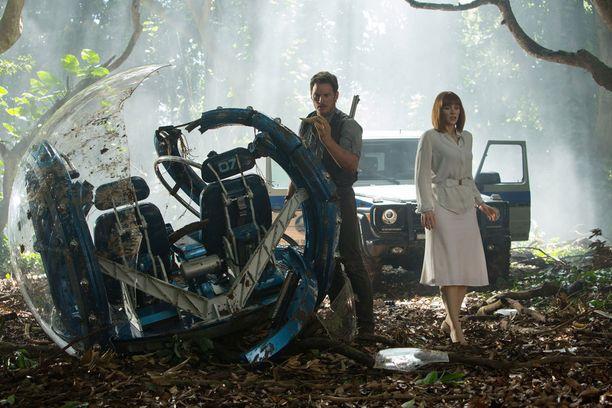 Jurassic World on ollut tämän vuoden suurin menestyselokuva.