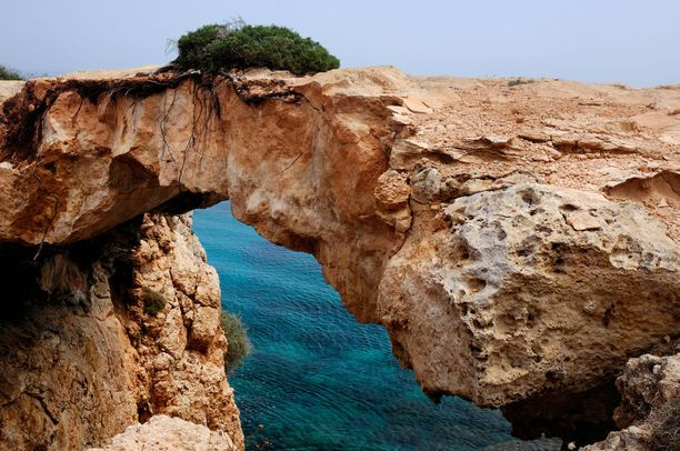 Kyprosen luonnonsiltaa ei saa enää ylittää. Viranomaiset haluavat suojella kaaren.