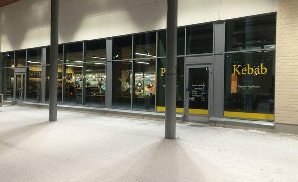 Joukkotappelu tapahtui Oulun Toppilassa sijaitsevassa liikekeskuksessa.