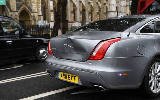 Britannian pääministeri Boris Johnsonin auto vaurioitui törmäyksessä.