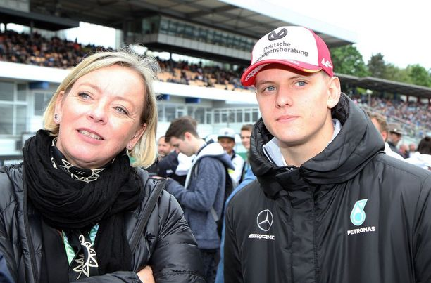 Sabine Kehm toimii myös Michael Schumacherin pojan Mickin managerina.