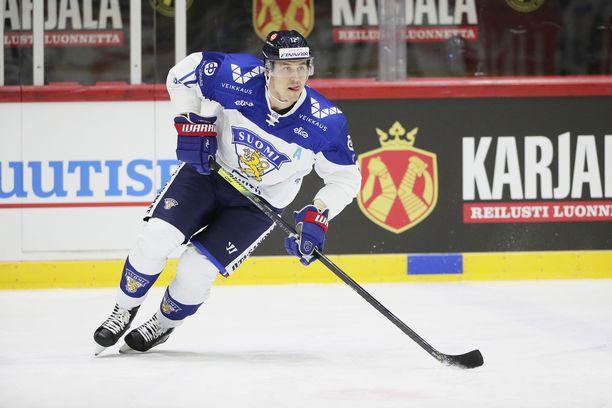 Jori Lehterä  esiintyi leijonapaidassa helmikuun EHT-turnauksessa.