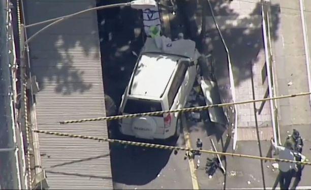 Katumaasturi ajoi ihmisten päälle Australian Melbournessa. 19 loukkaantui.