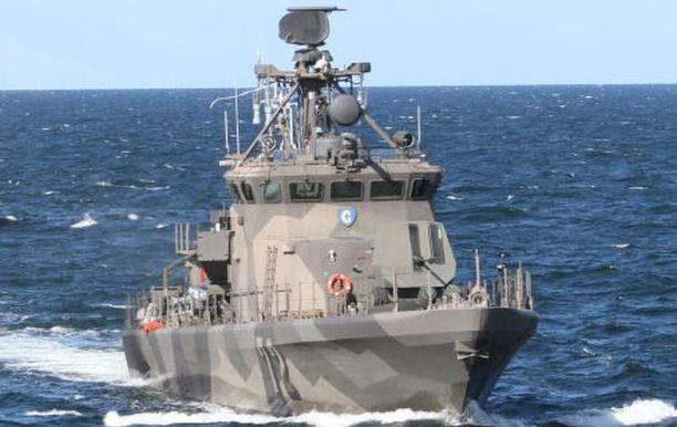 Sukellusveneentorjuntaharjoitukseen lähtee Suomesta kaksi Rauma-luokan ohjusvenettä. Kuvassa Rauma-luokan ohjusvene PGG Porvoo.