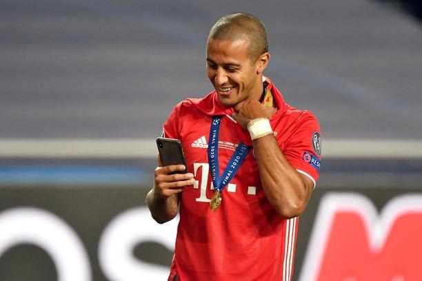Thiago juhli elokuun lopussa Mestarien liigan voittoa.