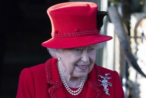 Kuningatar Elisabetin kerrotaan närkästyneen tavasta, jolla Harry ja Meghan ilmoittivat erostaan Britannian hovista.