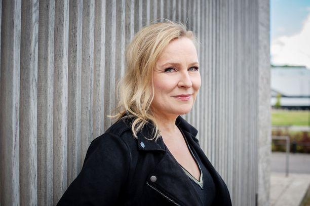 Heli Sutela teki Kumman kaa -sarjan Minna Koskelan kanssa.