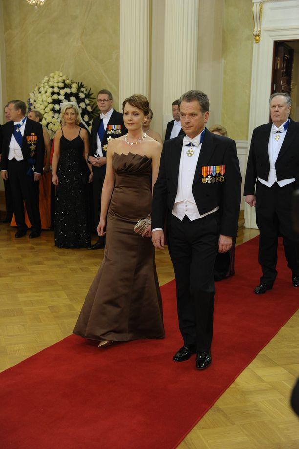 Haukio debytoi Linnassa vuonna 2009 eduskunnan puhemiehen Sauli Niinistön tuoreena vaimona.