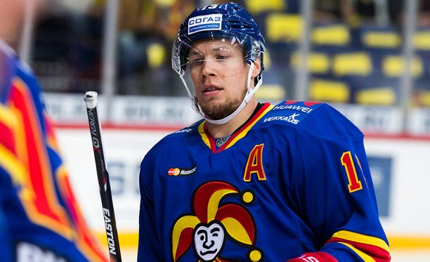 Petteri Wirtanen ruoski omiensa esityksen maanrakoon.