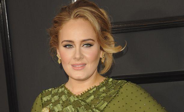 Adele puhuu harvoin avioliitostaan tai lapsestaan julkisuudessa.