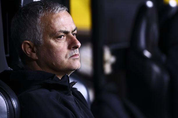 Jose Mourinho saa katsella uutta työnantajaa.