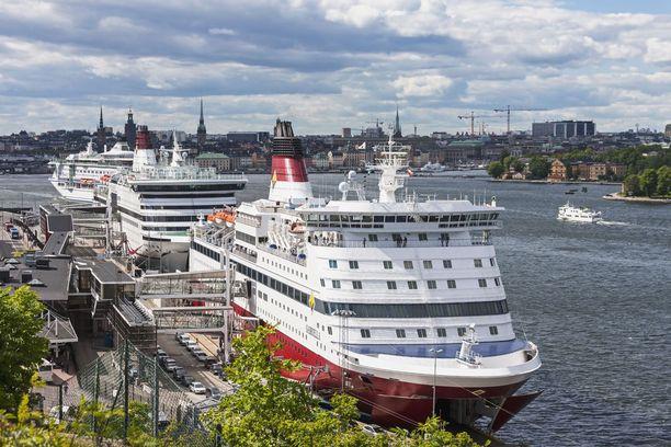Laivamatkat ja risteilyt vetoavat suomalaisiin. Moni aikoo tänäkin vuonna risteillä ainakin Tukholmaan tai Tallinnaan.