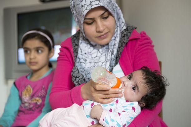 Irakilaisperheen nuorin lapsi on vasta neljä kuukautta.