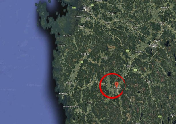 Pelastuslaitos pelasti joenpohjaan jumiin jääneen kalamiehen Kauhajoella.