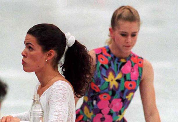Nancy Kerriganin ja Tonya Hardingin välinen vihanpito on urheiluhistorian kuuluisimpia vastakkainasetteluja.