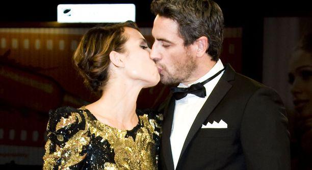 Vain kaksi viikkoa sitten pariskunta näytti rakastuneelta Venetsian elokuvajuhlilla.