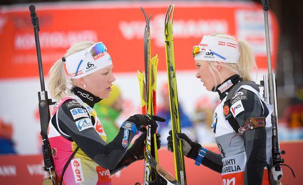 Suomen ampumahiihtotähdet Kaisa Mäkäräinen (vas.) ja Mari Laukkanen ovat sekä urheilumaailmassa että siviilissä kovin erilaisia henkilöitä.