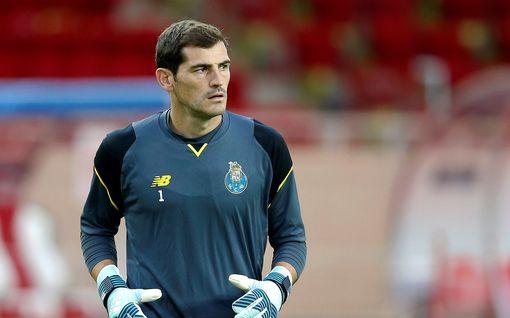 Maalivahtilegenda Casillas lopettaa uransa – ei enää palannut pelikentille sydänkohtauksen jälkeen