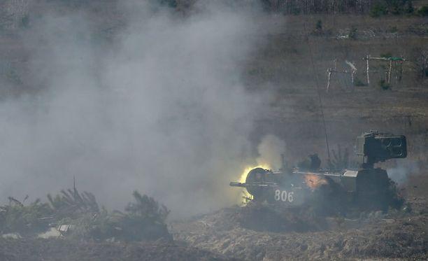 Ukrainan armeija harjoitteli Kiovan ulkopuolella maaliskuussa.