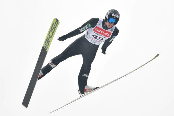 Espen Bjørnstad teki uuden mäkiennätyksen Rukalla.