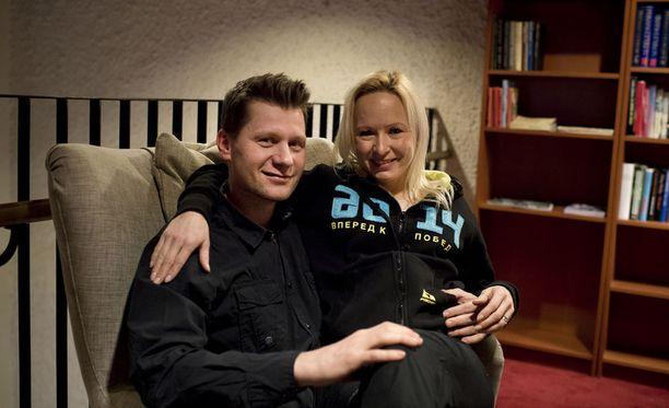 Riitta-Liisa ja Toni Roponen tapasivat toisensa ensimmäisen kerran vuonna 2001. Kuva vuodelta 2015.