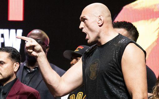 """""""Olen valkoinen mies ja kärsin rasismista"""" – Nyrkkeilyn supertähti Tyson Fury järkyttyi, kun ravintolan ovet eivät auenneet"""