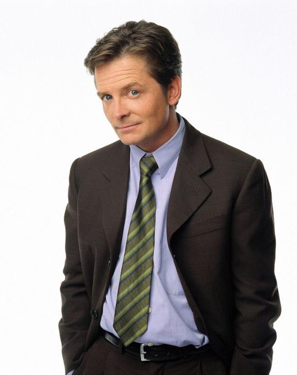 Michael J. Fox tähditti Spin City -sarjaa vuosina 1996-2001. Hän kertoi julkisesti Parkinsonin taudista vuonna 1998.