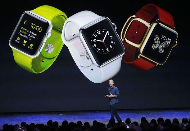 Applen toimitusjohtaja Tim Cook esitteli uudet älykellot tiistaina.