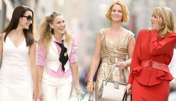 Sinkkuelämää-elokuvan ensi-iltaa vietetään New Yorkissa 27. toukokuuta ja Suomessa 6. kesäkuuta.