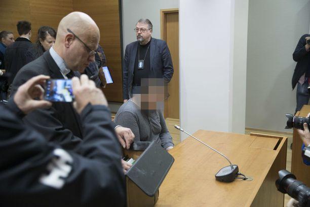 Tesoman henkirikoksesta syytetty mies oli käräjäoikeudessa tänä syksynä.