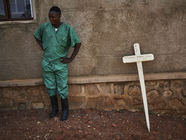 Kongon demokraattisessa tasavallassa puhjenneeseen ebolaepidemiaan on kuollut jo 1 400 ihmistä.
