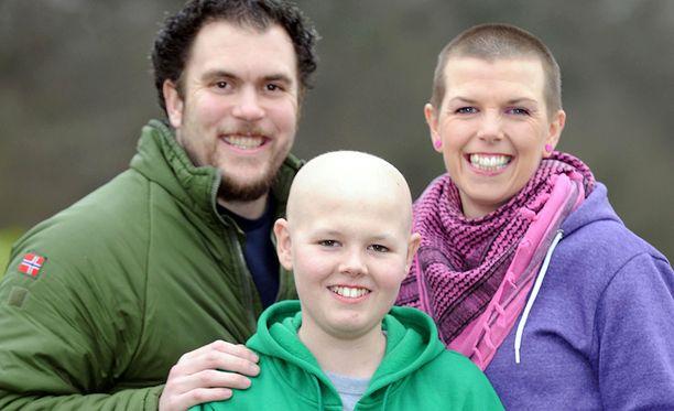 Kemoterapia ja sädehoito veivät hiukset päästä. Kuva on vuodelta 2013.